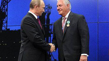 Vladimir_Putin_and_Rex_Tillerson